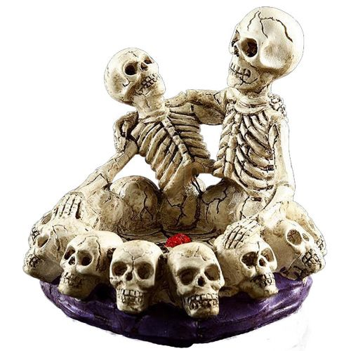 Skeleton Couple Hugging Ashtray Purple Base